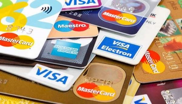 Bust conductor steals ATM card