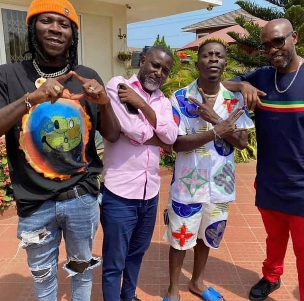 Stonebwoy and Shatta Wale dine together after Asaase Radio's soundclash