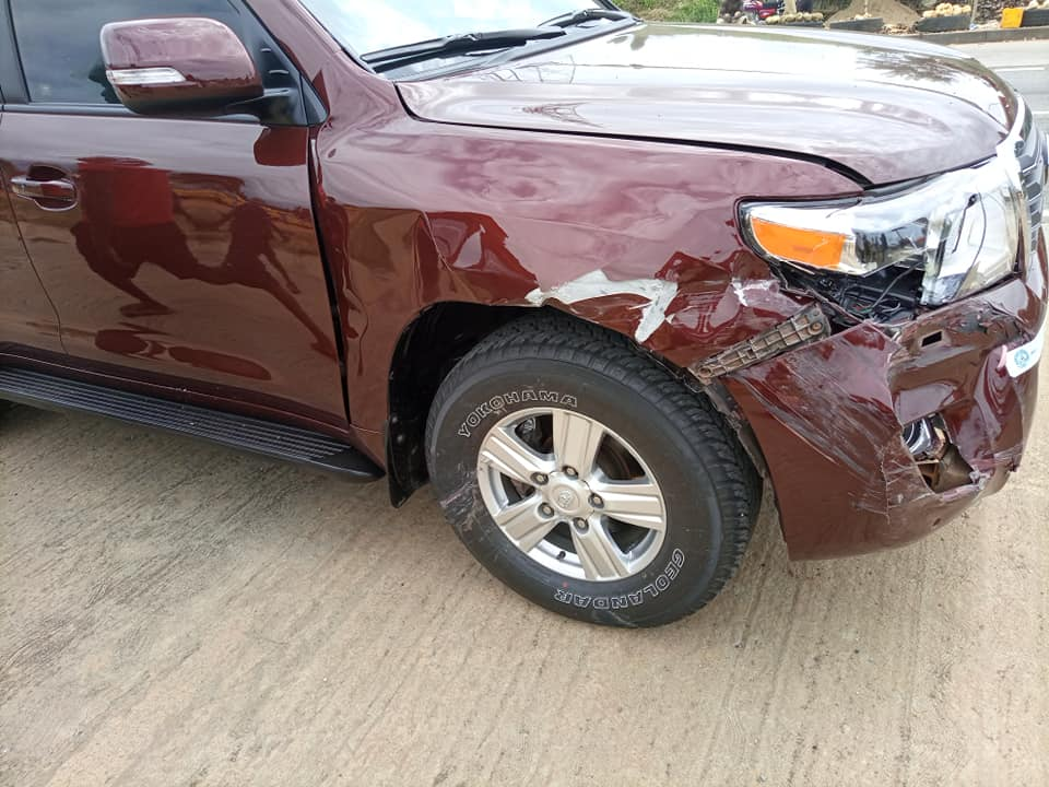 The boss of Accra-based Citi FM, Samuel Attah-Mensah and his crew have been involved in a gory accident.